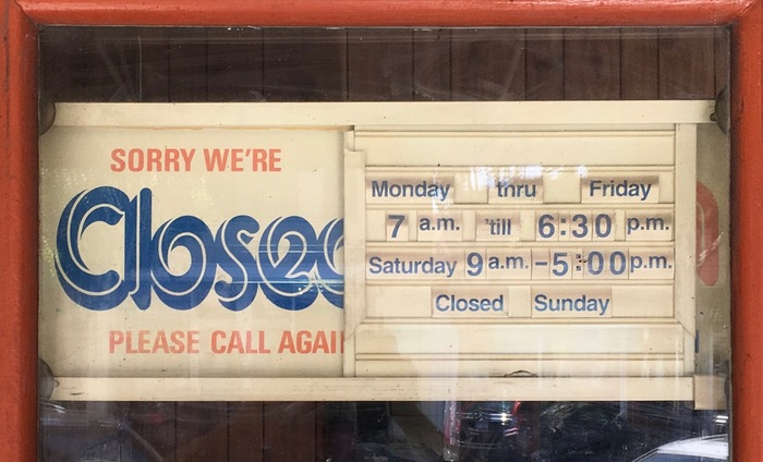 Closed/Open sign with slotted board 2
