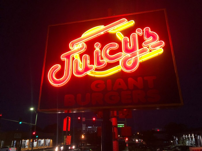 Juicy's Giant Burgers 1