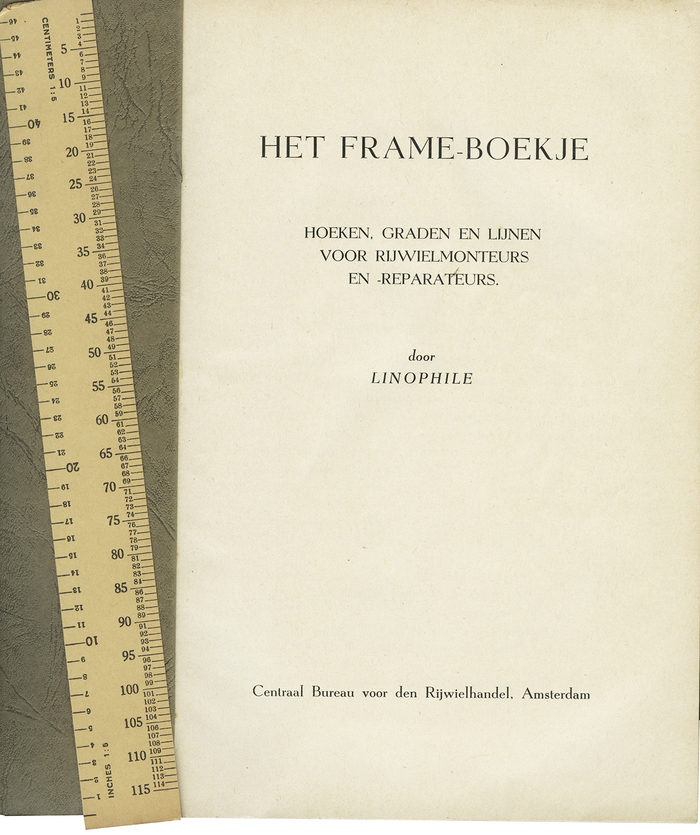 """Title page. Het Frame-boekje came with a paper ruler (centimeters and inches). """"Linophile"""" is obviously a pseudonym."""