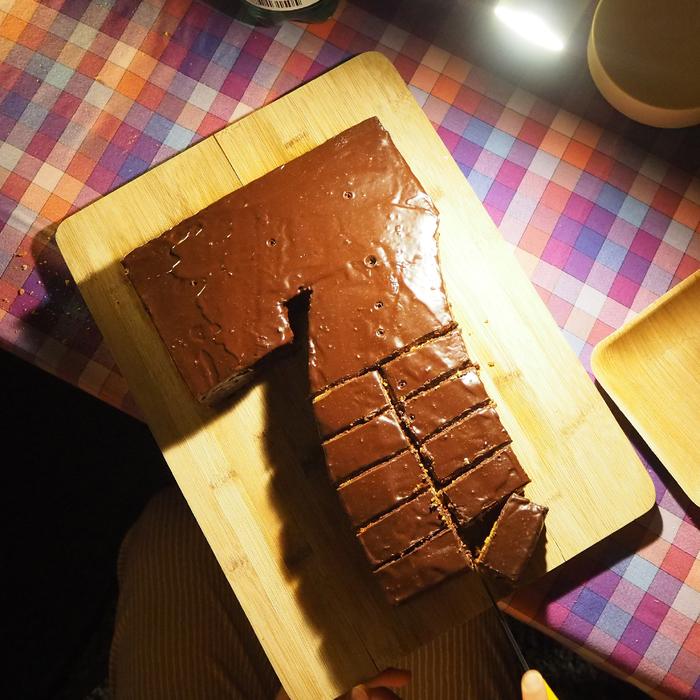 Akkordeon Thirteen. Chocolate cake. Biel, 7.