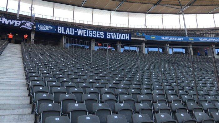 Blau-weißes Stadion 3