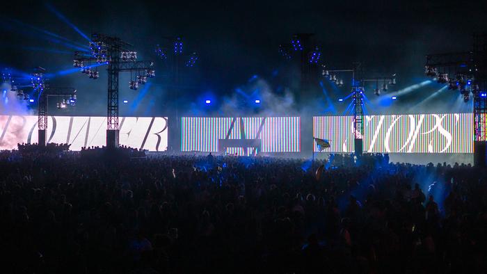 Live visuals at Dour Festival 2019 2