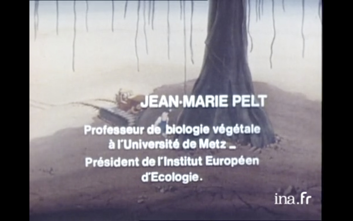 For some reason, the credits don't use Univers, but the similar Helvetica.