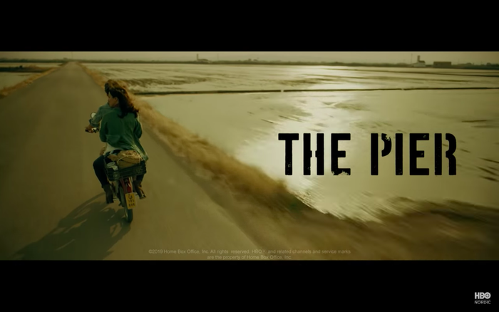 Still from the English trailer.