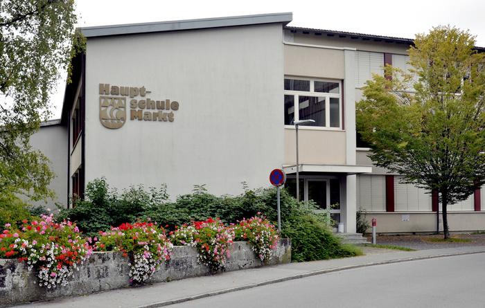 Hauptschule Markt, Hard 1